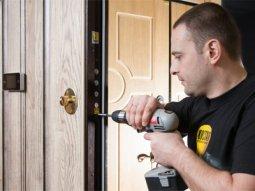 Обслуживание и ремонт металлических дверей