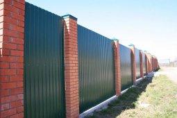 Забор своими руками: столбы из кирпича
