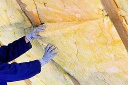Утепление деревянных домов: начните с крыши